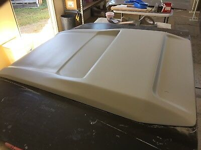 79 series 2017  V/8 Bonnet Scoop to suit 80 series Toyota