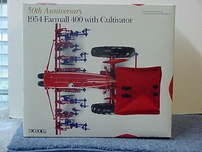 INTERNATIONAL HARVESTER 1954 FARMALL 400 with CULTIVATOR, 1/16, die cast