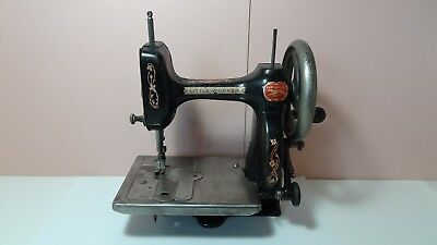 Antique 1912 New Home LITTLE WORKER Light Running Hand Crank Sewing Machine