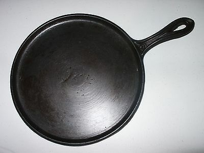 Antique Cast Iron No. 9 Griddle with Heat Ring Gate Mark Fancy Handle 19th C