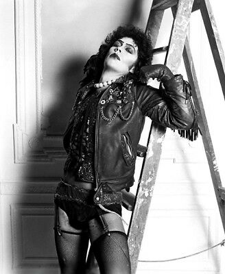 The Rocky Horror Picture Show UNSIGNED photo - L7318 - Tim Curry - NEW IMAGE!!!!