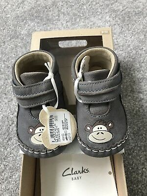 clarks baby shoes 9-12mth Size 0 Rrp £20.00