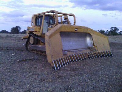 d6 dozer caterpillar cat d6r xl bulldozer for hire wet stick rake ripper bobcat