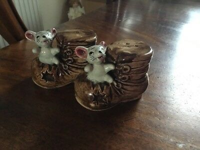 VINTAGE RARE JAPANESE MOUSE IN A BOOT SALT & PEPPER POTS - 1950 - 1960s