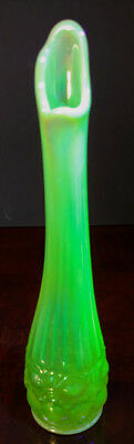 Vaseline Antique Pearl Opalescent Yellowish Green 10.5 Inch Nice Vase ++