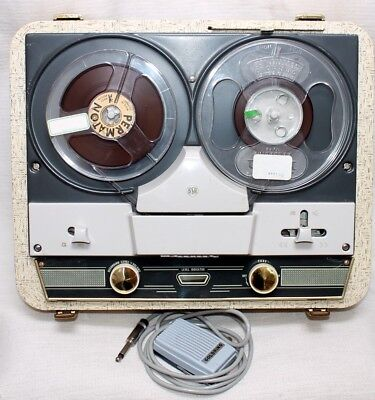 CLASSIC  REEL TO REEL TAPE RECORDER, Tested  great cond,all working .with book