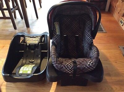 Eddie Bauer Baby Infant Carseat With 2 Bases