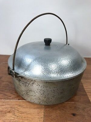 Vtg Club Dutch Oven with Lid Hammered Aluminum Hammercraft Knob 4 Quart Bail