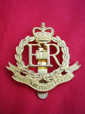 Royal Military Police RMP Gold Brass Metal Famous Army Red Cap/Beret Badge E11R