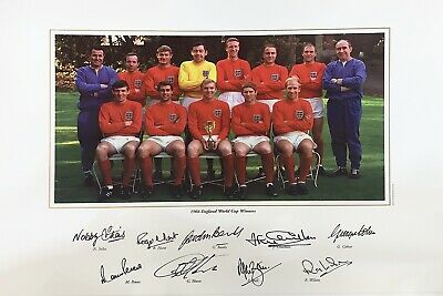 England 1966 World Cup Winners Photo signed by 9 World Cup Winners 500mmx350mm