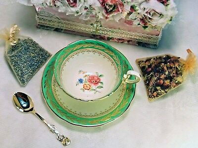 1939 Aynsley Spring Green, Dresden Flowers-Vintage Teacup in Fabric Covered Box+