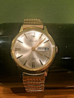 Vintage Cariole Mens Watch w/Day Date Feature 17 Jewels Swiss