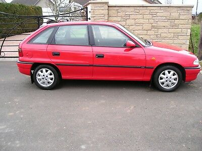 Vauxhall Astra, Classic Hatch, Very Low Mileage. 17000  YES ! Only 17k !