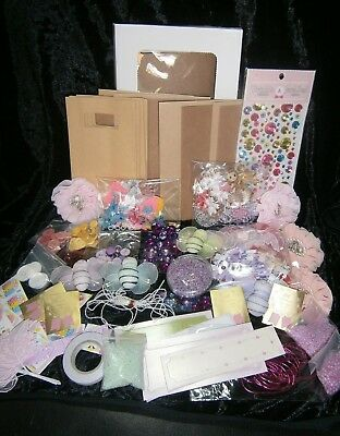 D.I.Y. KIDS CRAFT- Hundreds of Items- HOURS of FUN- CARD & Gift BAG MAKING Age5+