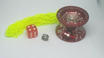 High speed yoyo with accessories.