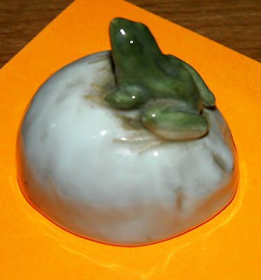 Miniature PORCELAIN Figure  Frog on a stone #507 Royal Copenhagen ERIK NIELSEN