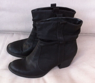 Stylish Betts For Her Black Riding Ankle Boots Size: 11 Near New