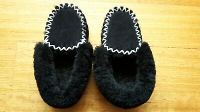 Unisex Genuine Sheepskin Moccasins Mens 7.5 - 8   Womens 9.5-10 - pick up avail