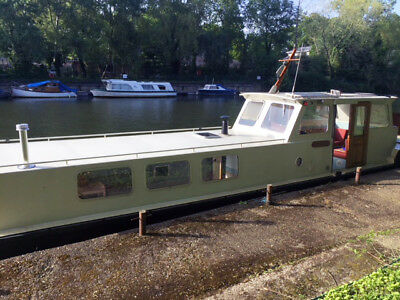 Beautifully maintained fully liveable 49ft classic Dutch barge