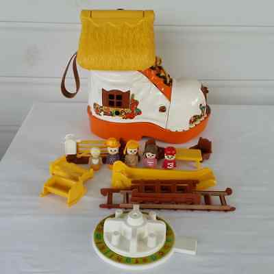 Vintage Matchbox Play Boot 1977 With Figures And Accessories LL 100