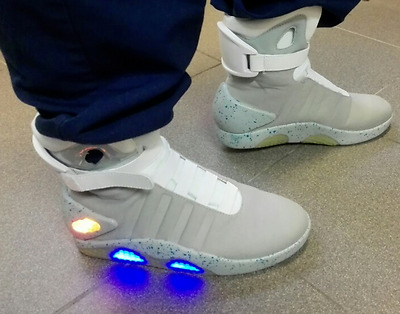 6411d09f58a4f9 MAG BACK TO the Future Light Up Trainers Shoes