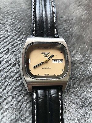 V Rare early 1970s Vintage Seiko 5 Automatic Wrist Watch Japanese dates