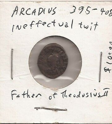 Roman Imperial ARCADIUS 383-408 AD Pearled head right/Victory drags captive left