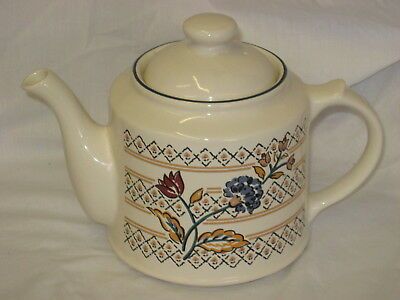 UNUSED Boots Camargue Oven to Tableware Large Teapot Tea Pot Made in England