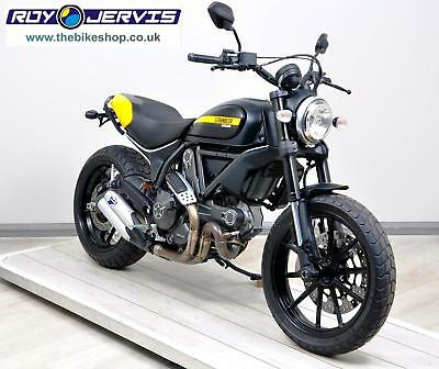2015 (65) Ducati Scrambler Full Throttle 803cc Black - UNDER 3000 Miles