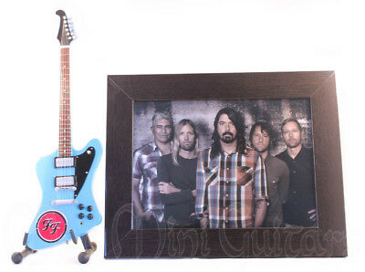 Miniature Guitar FOO FIGHTERS with Stand + Photo + Frame 6x8