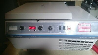 Beckman Coulter Allegra 6R Centrifuge With Various Accessories