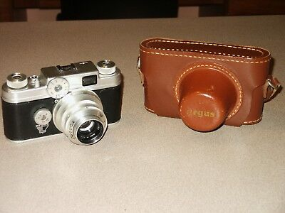 Vintage Argus C4 Camera Cintar F 2.8 Lens w/ Very Nice Leather Case