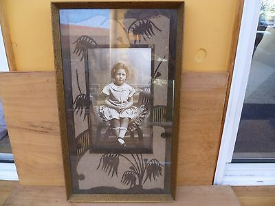 ANTIQUE OLD PHOTOGRAPH OF YOUNG GIRL IN STUNNING FRAME 340X580X300mm (A304)