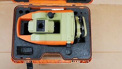 Leica T460 Total Station