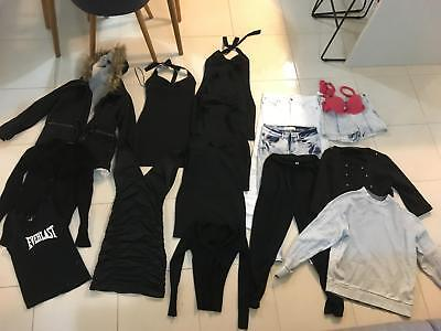 Womans clothing pack size 6-8 (0-2) pick up only!