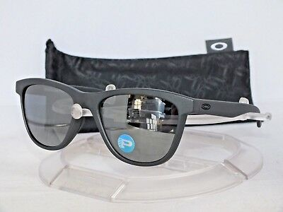 OAKLEY Polarized Moonlighter SUNGLASSES OO9320-05 Steel /Black Iridium Polarized