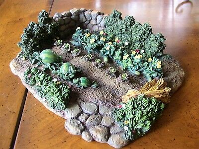 "Fontanini Heirloom Village Collection -  Vegetable Garden 8"" X 9-1/2"" X 2-1/4"""