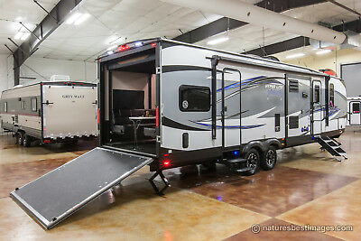 New 2018 30HDS Hyper Lite Extended Season Slide Out Toy Hauler Travel Trailer