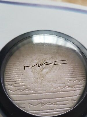 M A C Highlighter Extra Dimension Finish Soft Frost