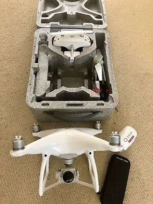 DJI Phantom 4 Mint cond Under 4hrs Flight Time Battery, Filters