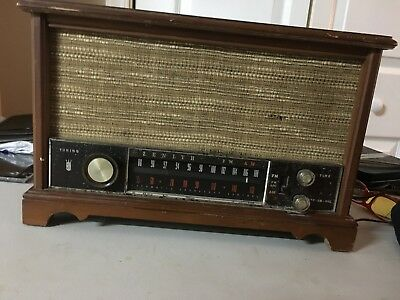 Zenith AM FM tube radio. Wood case model S-58040 working condition. Vintage.