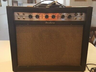 Vintage 1960s Montgomery Ward AIRLINE 62-9013A Combo Amplifier
