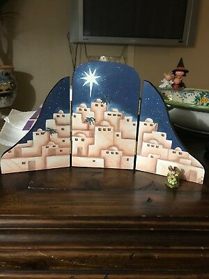 wee forest folk mice display Christmas nativity backdrop
