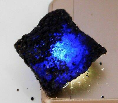 Natural 119.20 Carat Raw Rough Blue Sapphire Loose Gemstone. R282