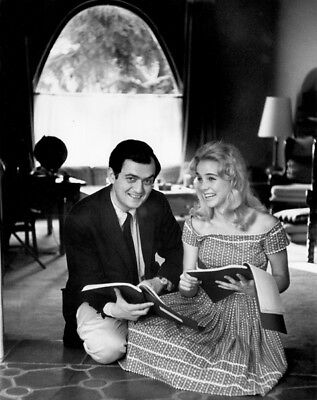 Lolita UNSIGNED photograph - L8918 - Stanley Kubrick and Sue Lyon - NEW IMAGE!!!