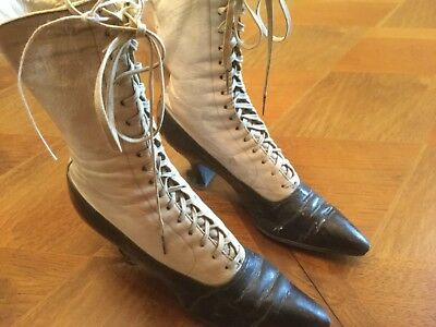 Appear To Be Authentic Victorian Women'S Lace Up Boots Shoes Great Display Item