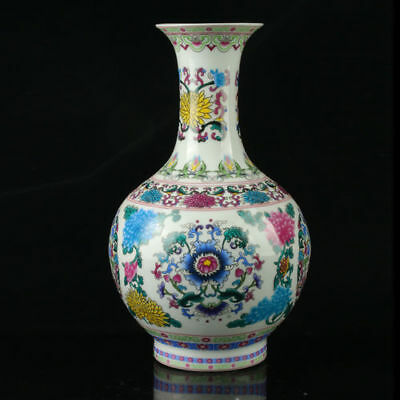 China Colorful Porcelain Hand-Painted Flowers Vase As The Qianlong Period