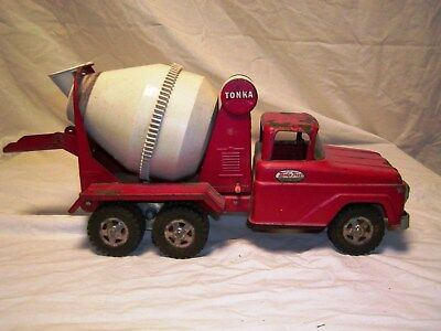 Vintage 1960's Tonka Truck -Cement Mixer - Red & White