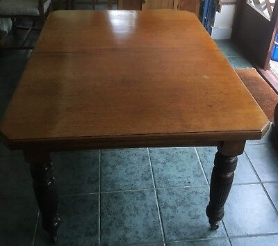 Antique Victorian Extending Oak Dining Table - 2 Leaf Wind-Out