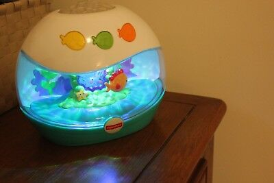Fisher-Price Ocean Wonders Aquarium Crib Soother Music Sound Lights Motion EUC